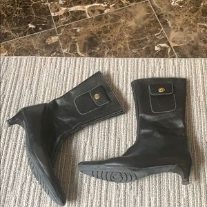 ⭐️⭐️⭐️COACH BLACK LEATHER BOOTS SIZE 7M!!